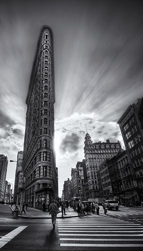 One of my all time fave buildings    The Edges of the Flatiron Building (by Stuck in Customs)
