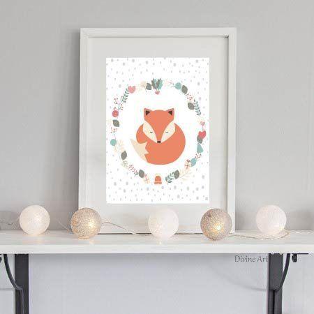AFFICHE renard et ornements couronne . Une œuvre d'art parfaite pour afficher dans un salon, ou bien dans une chambre. Un cadeau idéal à offrir.  ---- FORMAT ---- A4 : 21 cm X 30 cm / 8,27 x 11,69 inches Imprimé sur du papier, demi-mat, de qualité, avec une imprimante professionnelle. Cadre