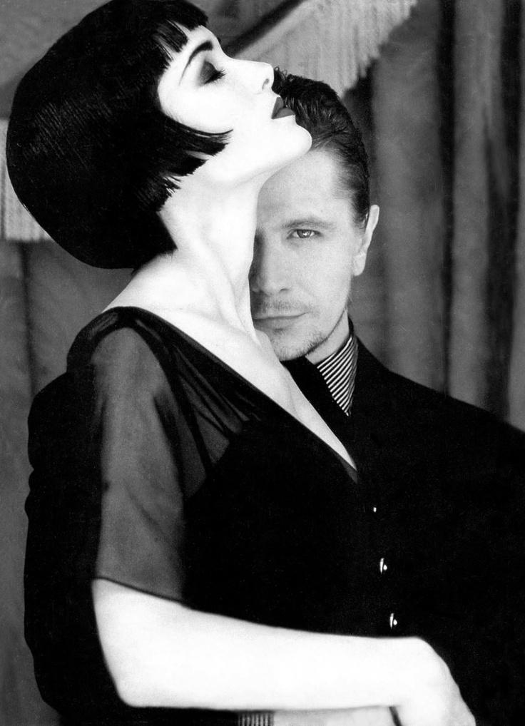 Winona Ryder and Gary Oldman photographed by Firooz Zahedi, 1990