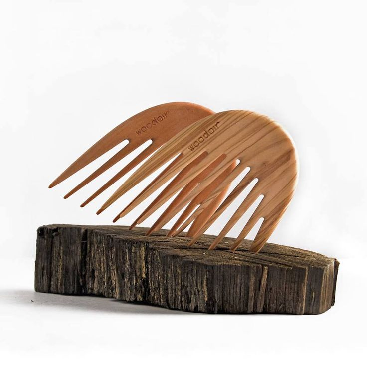 Woodoir Combs #IkonArtsFoundation #comb #design #wanteddesign #nycxdesign #nycxd