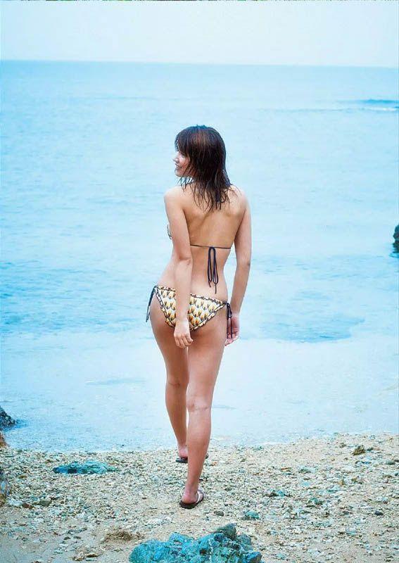 Ikumi Hisamatsu - Weekly Playboy 2016 No5
