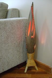 luminária com folha de coqueiro