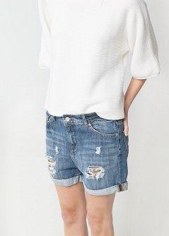 Minimal + Classic: Long-cut Denim Shorts  White Pullover MANGO