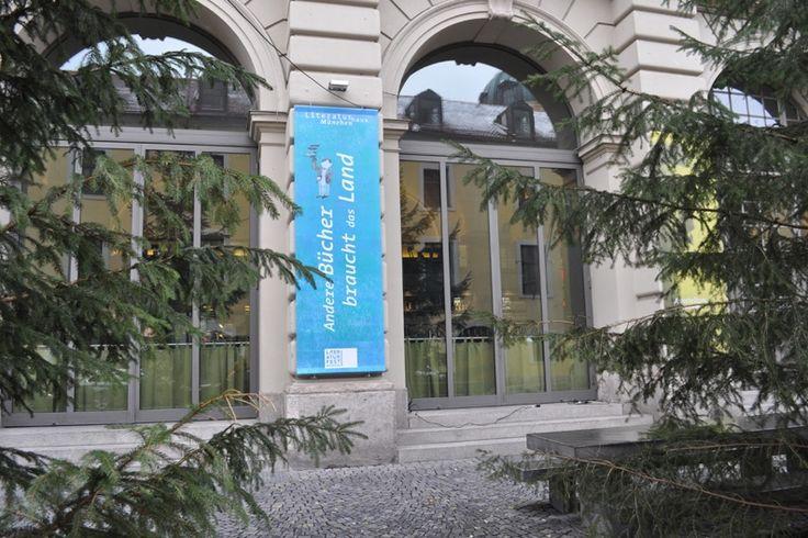 Andere Bücher braucht das Land: Markt der unabhängigen Verlage im Literaturhaus (23./24.11.2013) © Alke Müller-Wendlandt #litmuc13