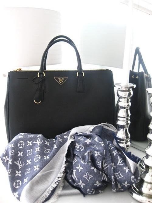 replica bottega veneta handbags wallet as seen on tv host