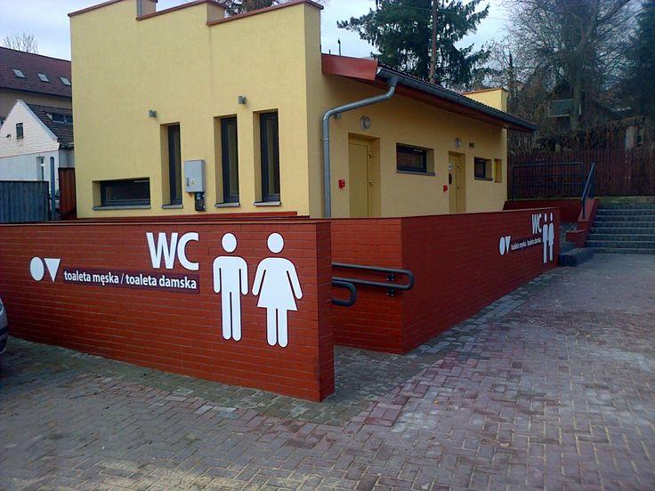 Wykonanie oznaczeń toalet miejskich w Wieliczce Więcej: http://www.fantasiadesign.pl/