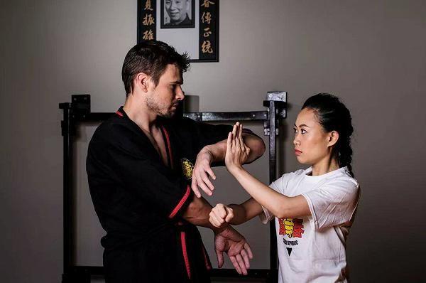 http://wtkungfu.cz - Škola čínského Wing Chun Kung Fu. Neomezená výuka podle škol v Hong Kongu...Intro lekce ZDARMA...