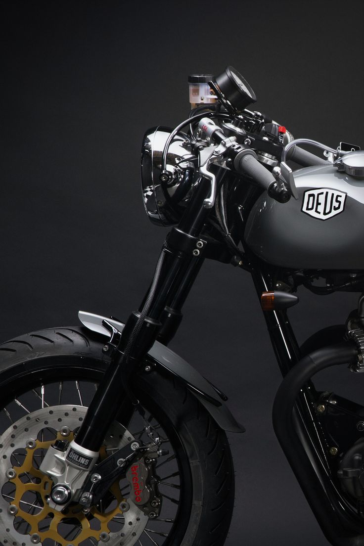 Iceie 800 - Darkly elegant and clean as a whistle, Deus Ex Machina is proud to introduce a frisky cafe racer from Woolie's Workshop.