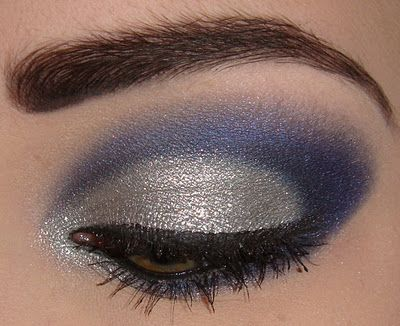 really beautiful eye makeup, but the blog entry is in german or dutch :(