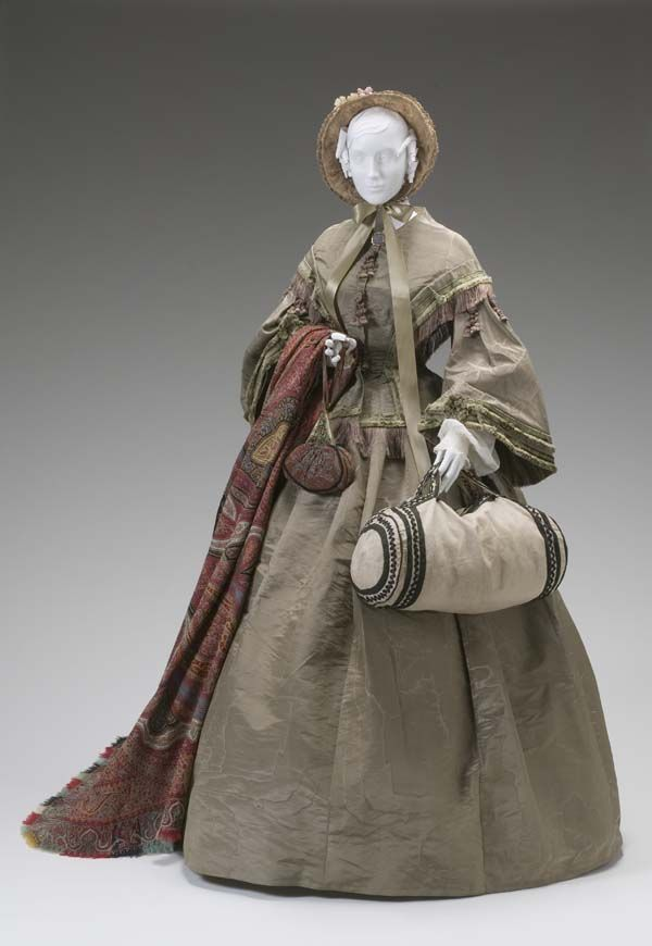 1855-1865 Day dress, 2- piece silk w/nice trim, shawl, travel bag & bonnet.