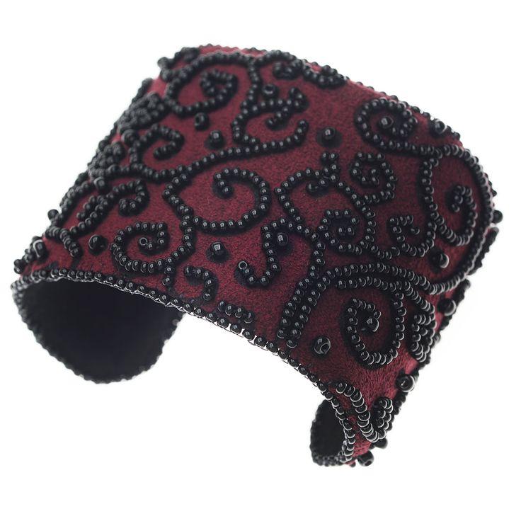 Tutorial - How to: Victorian Velvet Cuff   Beadaholique