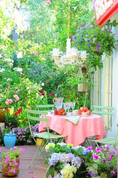 Nice patio // terraza verde