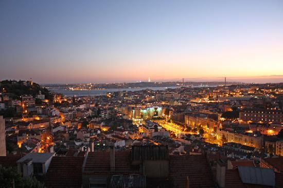 Miradouro da Senhora do Monte, the Highest Viewpoint in Lisbon. Sounds like a bit of a touristy spot, but you can't beat that view!