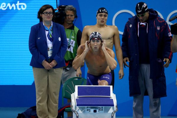 Michael Phelps Photos Photos - Michael Phelps of the United States competes in the Final of the Men's 4 x 100m Freestyle Relay on Day 2 of the Rio 2016 Olympic Games at the Olympic Aquatics Stadium on August 7, 2016 in Rio de Janeiro, Brazil. - Swimming - Olympics: Day 2