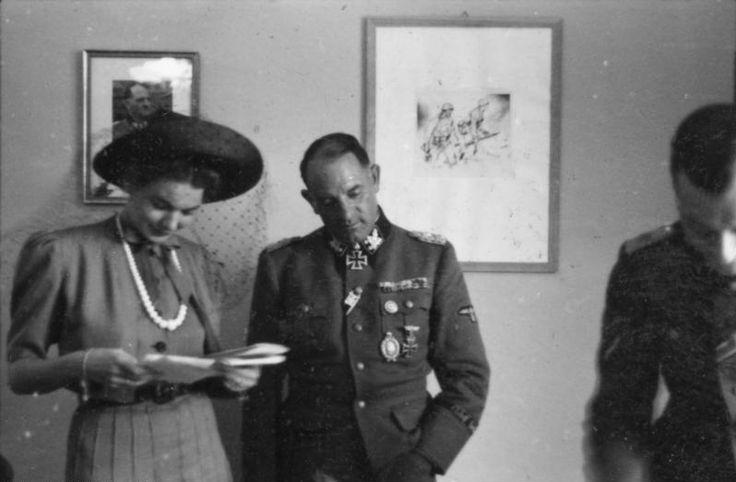 File:Bundesarchiv Bild 101III-Alber-045-30, Berlin, Sepp Dietrich mit Ehefrau.jpg