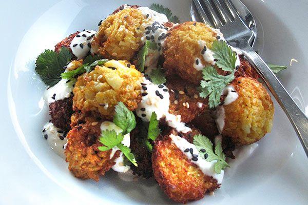 Cauliflower fritters with garlic yoghurt – Recipes – Bite