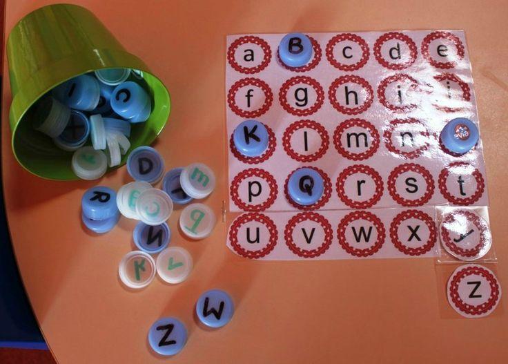 correspondance lettres scriptes et capitales: la maternelle de Vivi