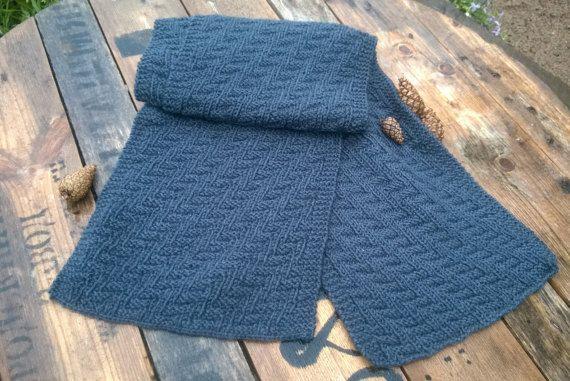 Серый мужской шерстяной шарф ручной вязки от ONiksShop на Etsy