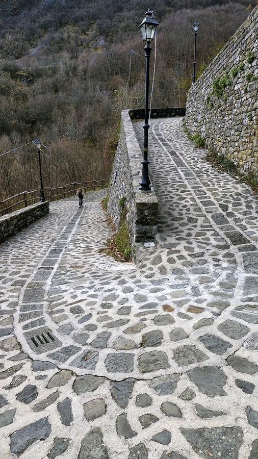 Path in Tuscany, Italy - #followme2013 #Dream Roads