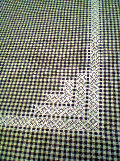Elisaricamo - white on dark gingham - Broderie suisse