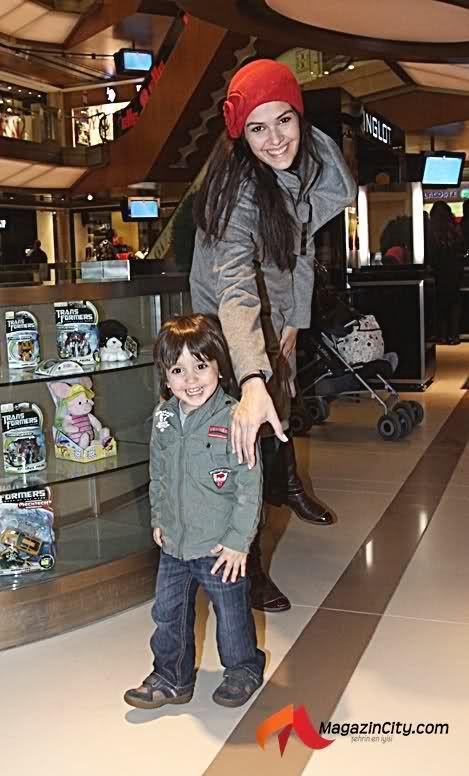 Bergüzar Korel & her son Ali Ergenç
