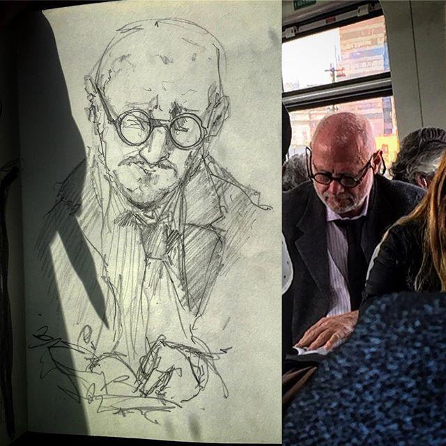 #gentequesedibujaeneltren #sketchbook #sketch #bocetorapido #lapiz #pencil