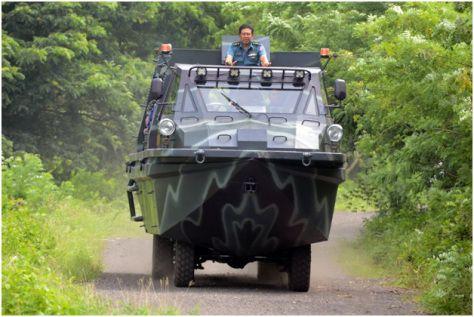 kendaraan-amfibi-Marinir-TNI-al