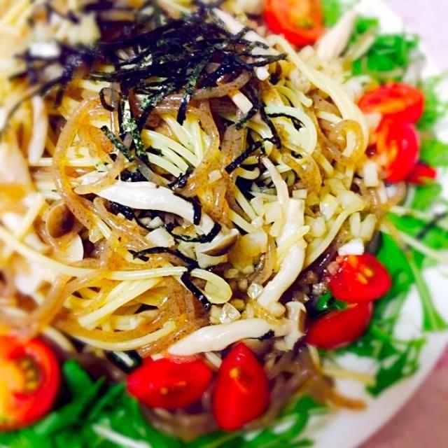 おかずサラダ 糸こんにゃくで量まし 和風ドレッシング+麺つゆ - 19件のもぐもぐ - 糸こんにゃくとしめじのパスタサラダ by marime146