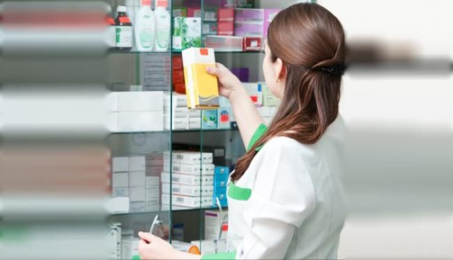 Η Πολιτική Πρόληψης στα Φαρμακεία της Ευρώπης Τα Φαρμακεία διαδραματίζουν σημαντικό ρόλο στην πρωτοβάθμια περίθαλψη.