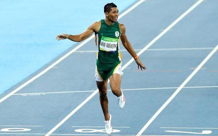 Wayde Van Niekerk wins men's 400 metres in a new world record time