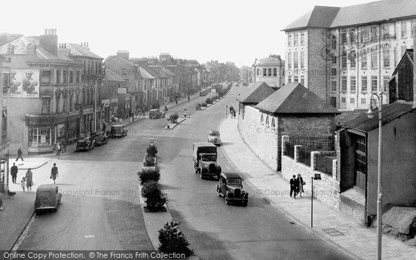Plymouth, Cobourg Street c.1940, from Francis Frith