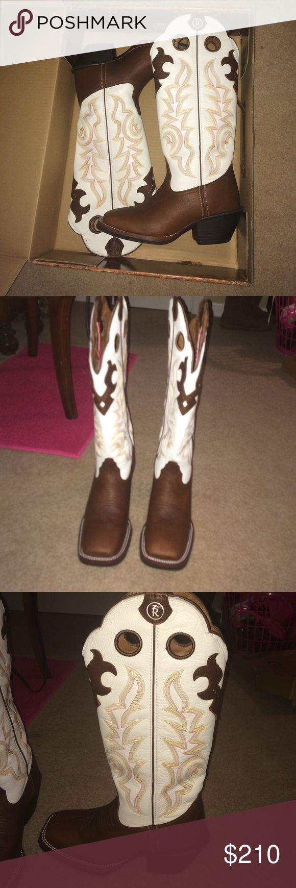 Tony Lama boots BRAND NEW, STILL IN THE BOX, Tony Lama boots. I love these, I just never wear them. Worn once. Size 8. Square toe. OPEN TO ALL OFFERS 😃 Tony Lama Shoes