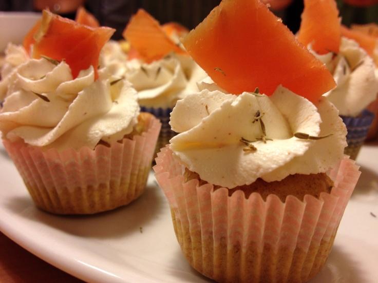 Cupcakes integrale con crema di paprika e salmone