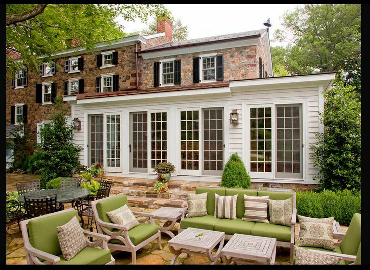 1000 images about sunroom ideas enclosed porches on for Farmhouse sunroom ideas