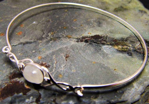 Mondstein Armreif Mondstein Armband Sterling Silber von OpalKobus