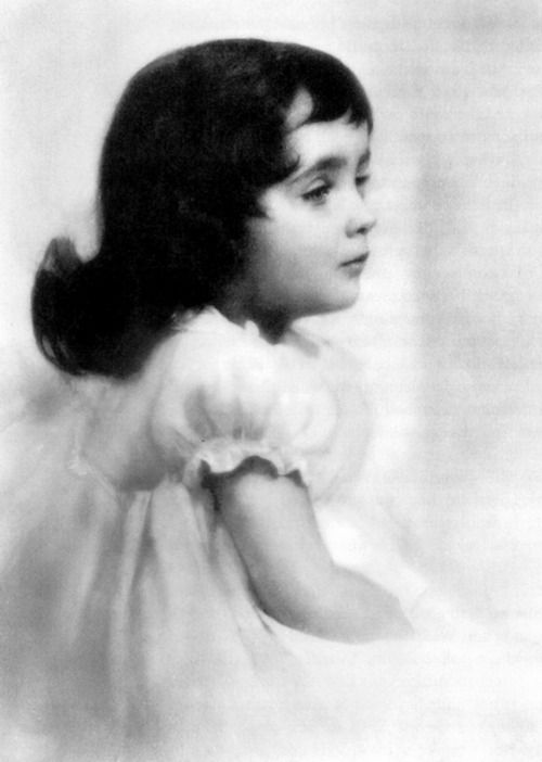 Elisa Snow baby picture (this is truly Liz Taylor 1934)