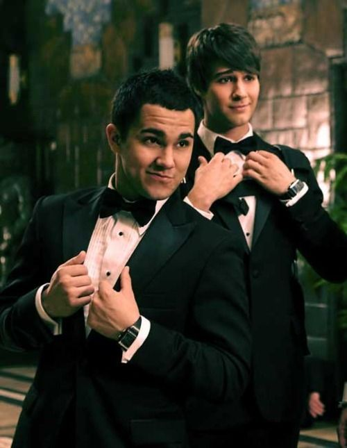 Carlos Pena Jr  James Maslow