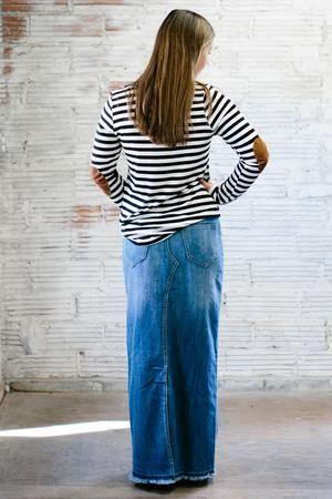 Back pocket design of a stylish long jean skirt