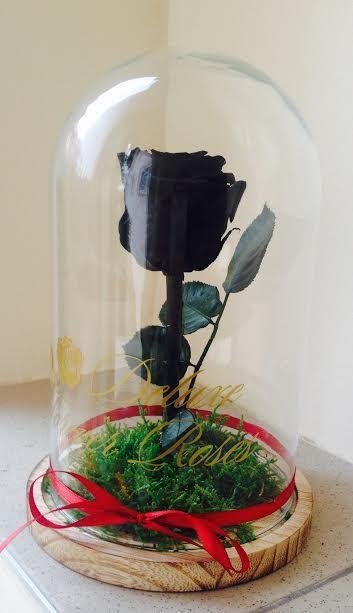 Black örök rózsa üvegbúrában:Ár:17.900Ft