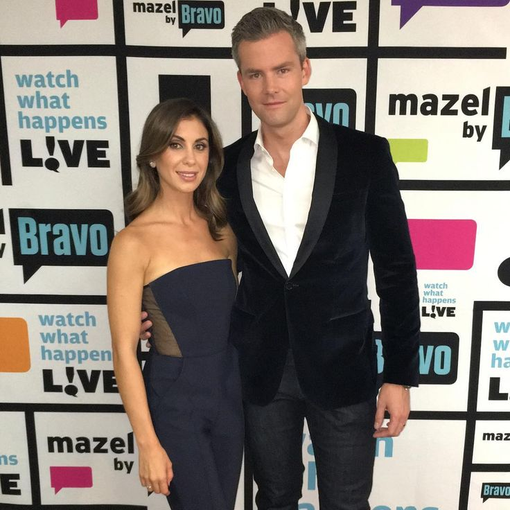 """9,111 likerklikk, 146 kommentarer – Ryan Serhant (@ryanserhant) på Instagram: """"We just found out our ratings from last week's premiere episode and they were AWESOME!! Over 1M…"""""""