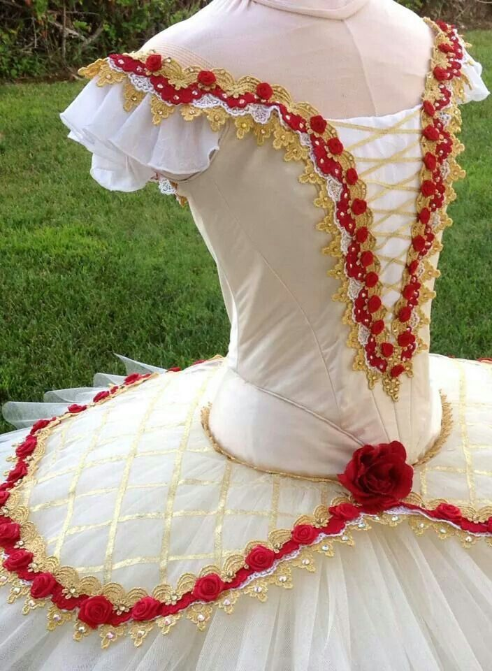 Lovely paquita tutu costumes tutu dance tutus blancs pinterest - Deguisement danseuse classique ...