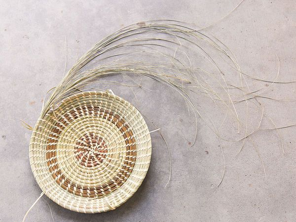 Basket Weaving Tips : The ancient craft of gullah basket weaving art and