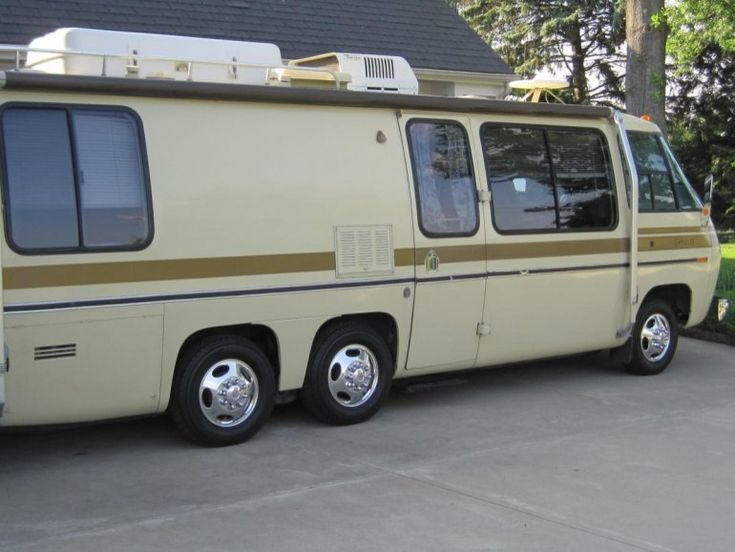 1976 GMC Eleganza II - The market for second-hand motorhomes manufactured in the mid-1970s isn't exactly robust, making sales of even well-preserved Winnebagos or Pace-Arrows challenging. GMC motorhomes, however, are the exception to the rule – thanks in part to their rugged construction and timeless styling, they remain sought-after collectibles, nearly as popular as vintage Airstream travel trailers. This 1976 GMC Eleganza II, for sale on Hemmings.com, is said to have numerous upgrades…