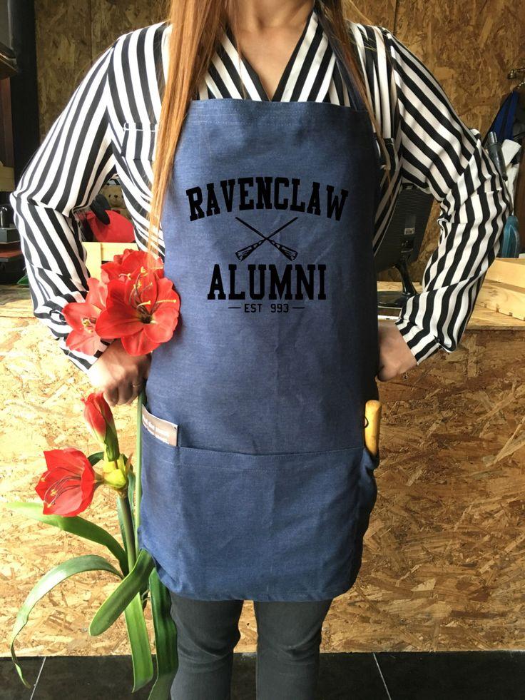 Ravenclaw Alumni Harry potter canvas jeans apron, Harry potter funny, Harry Potter Kitchen, Harry potter Gift, Harry potter Gift by ArtesaniaTh on Etsy https://www.etsy.com/listing/267891743/ravenclaw-alumni-harry-potter-canvas