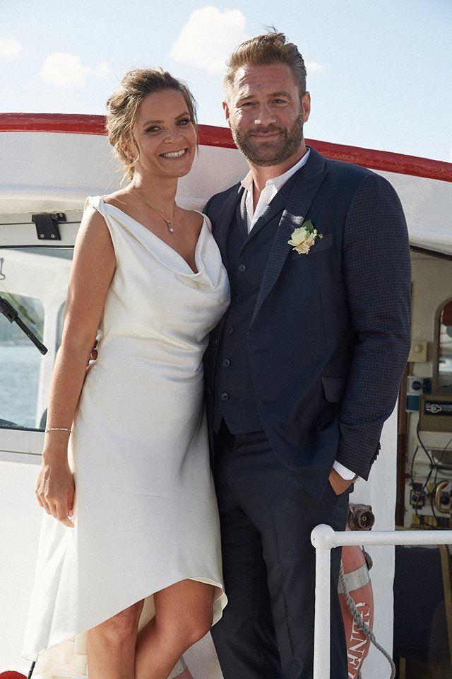 Pin for Later: Die 27 unvergesslichsten Promi-Hochzeiten von 2015 Sasha und Julia Röntgen Ganz heimlich still und leise heiratete Sänger Sasha im Juli in Hamburg. Die glückliche Nachricht teilte er mit seinen Fans auf Facebook.