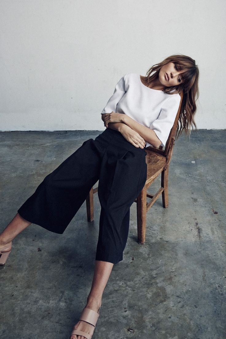 White top, cropped navy trousers & nude heeled sandals  | @styleminimalism