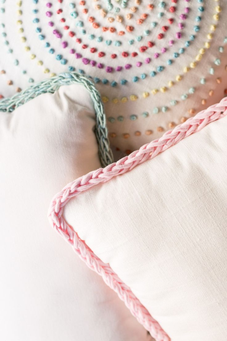 Finger Knitting Trimmed Pillows by Anne Weil of Flax & Twine