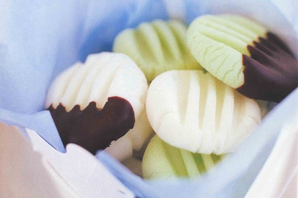 Recipe: Peppermint creams (egg white version)