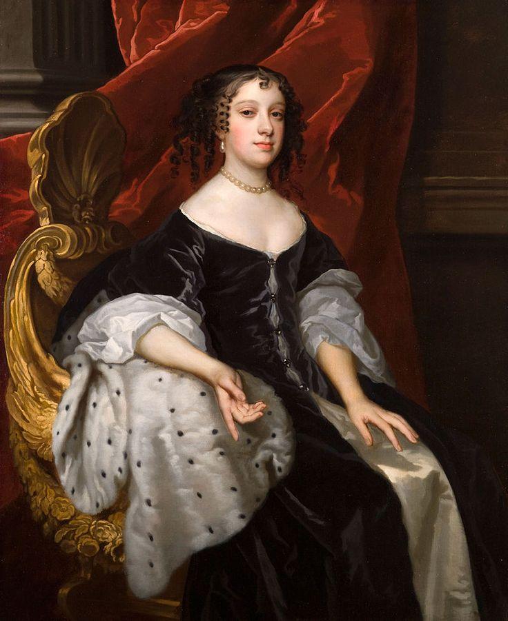 Catarina de Bragança ( 1638 —  1705). Era filha do rei João IV e da rainha Luísa de Gusmão.  Após a morte da irmã mais velha, D. Joana, assumiu o título de Princesa da Beira.foi a esposa do rei Carlos II e Rainha Consorte do Reino da Inglaterra, Reino da Escócia e Reino da Irlanda de 1662 até 1685. Catarina sofreu, por três vezes, abortos espontâneos, e do casamento não houve descendência.