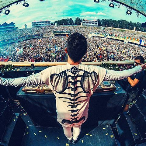 """Instagram of Don: """"Take me back to #Tomorrowland 🙏🏻 What was your favorite moment of the set?"""" #dondiablo#Hexagon#hexagonians#spinninrecords#spinnin#newmusic#music#edm#electronicmusic#futurehouse#future#house#bestdj#bestmusic#fanpage #tommorowland #TourLife"""